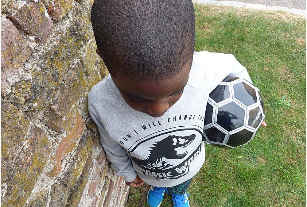 BOLD PRINTS: JURASSIC WORLD KIDS FASHION SS18